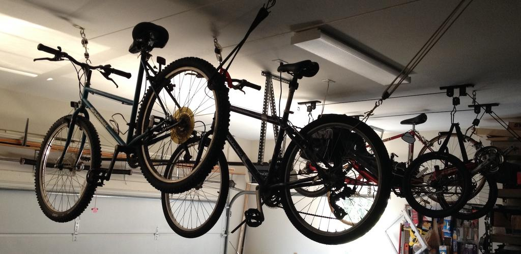 Pics of your bike room/setup, tool layout etc...-img_3729.jpg