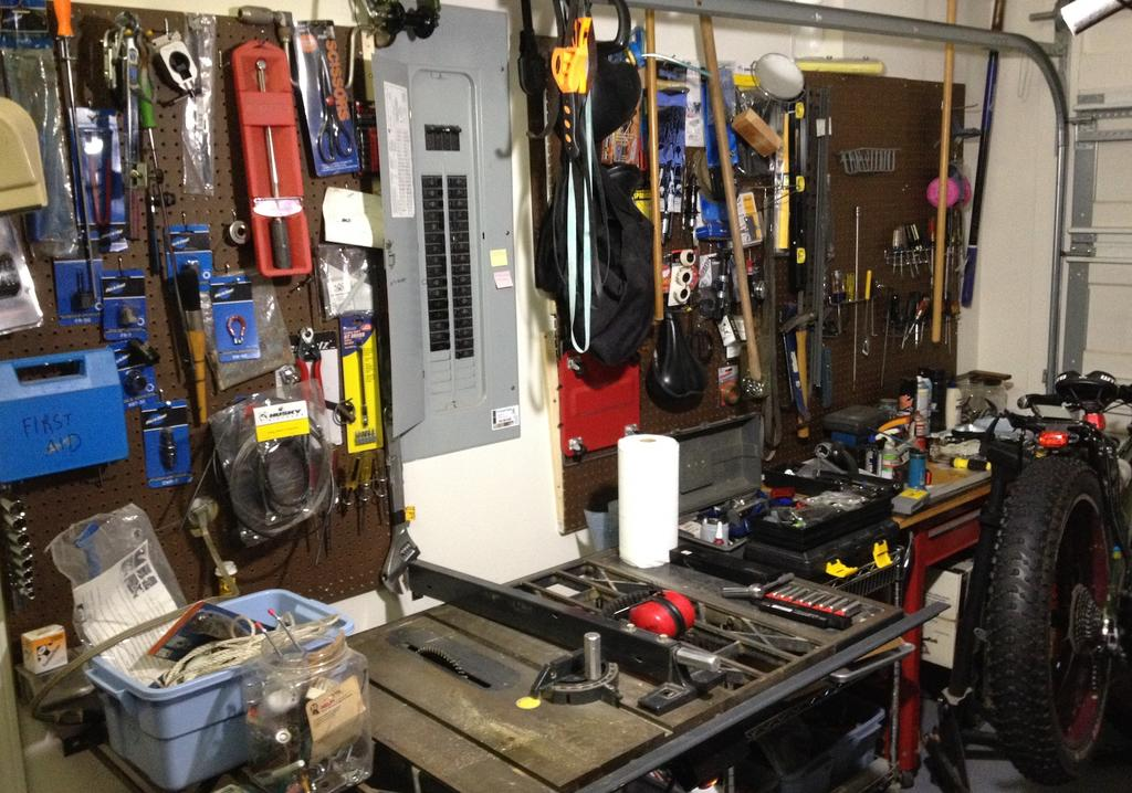 Pics of your bike room/setup, tool layout etc...-img_3733.jpg