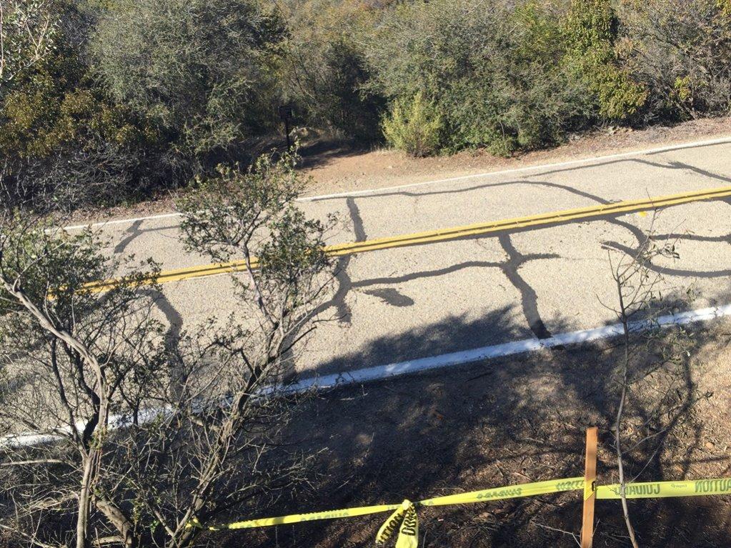 Closure at Encinal Canyon/Backbone trail-img_3766.jpg