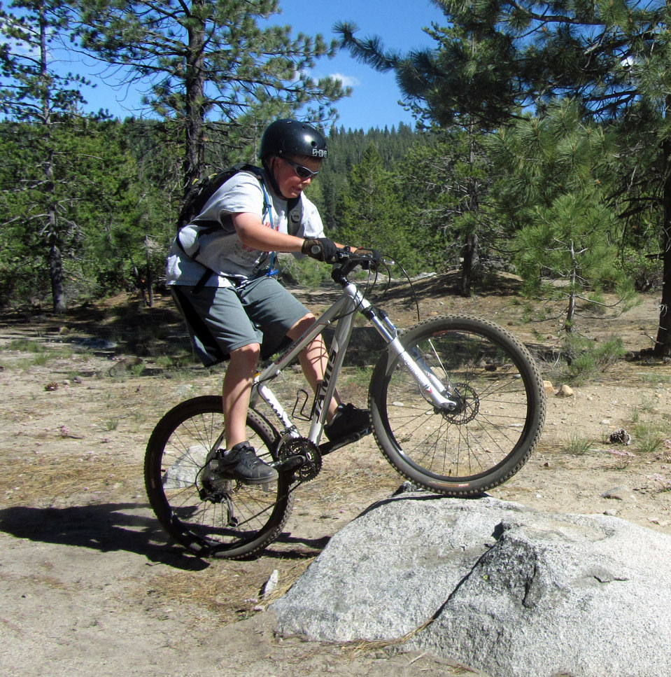 Best riding images of 2012.-img_3785-rock.jpg