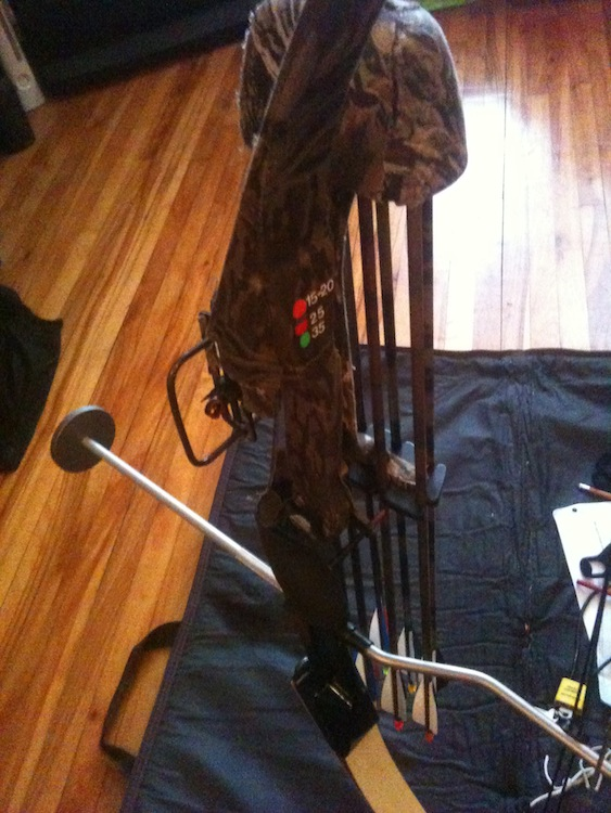 1985 Hoyt/Easton Rambo compound bow-img_3806.jpg