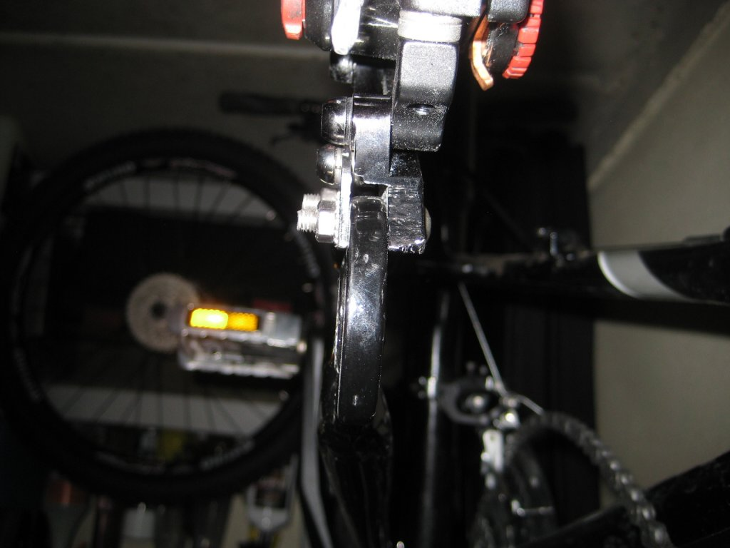 A2Z Disk Brake Adapter for frames without disk mount, anyone try one?-img_3830.jpg