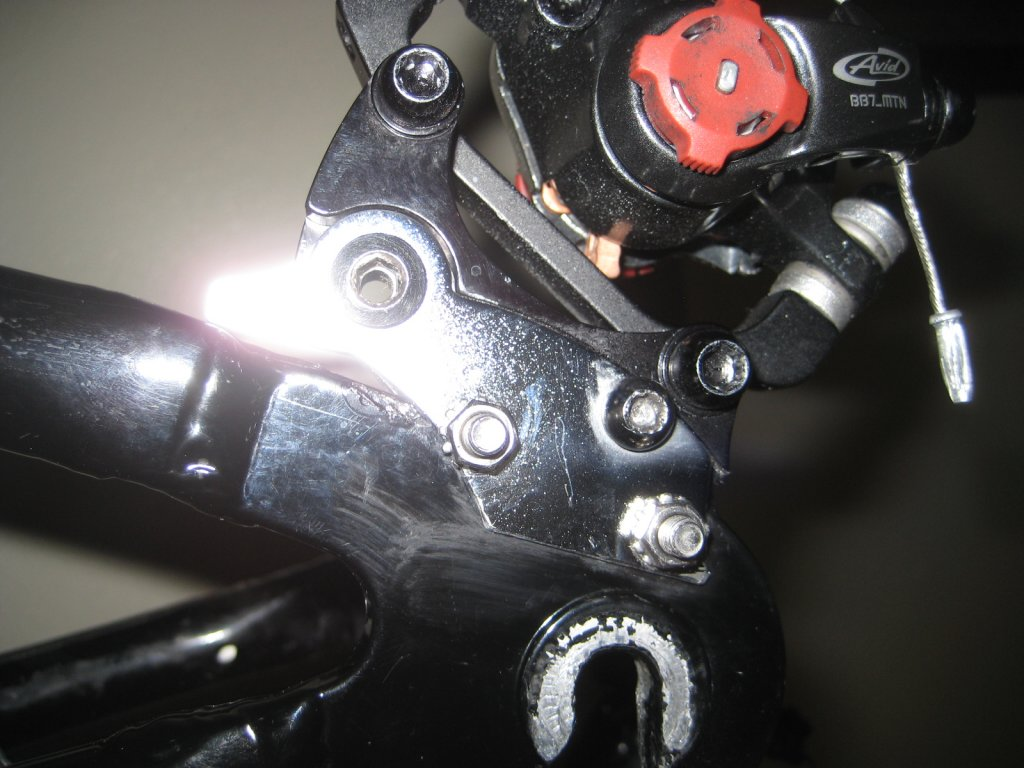 A2Z Disk Brake Adapter for frames without disk mount, anyone try one?-img_3832.jpg