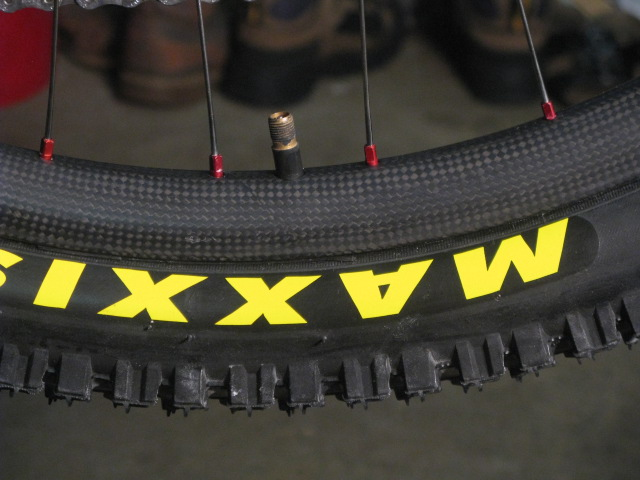 26in chinese carbon all mountain rim-img_3982.jpg