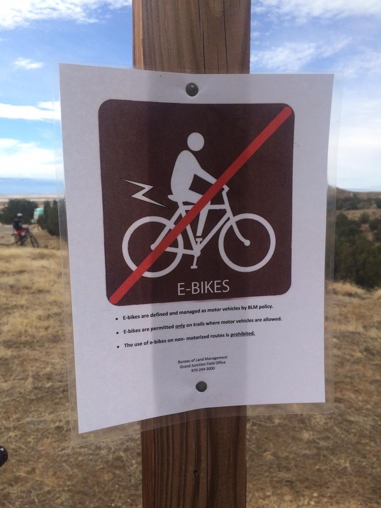 New signage at Auburn - No E-Bikes-img_3992_zpsqzqxwnbk.jpg