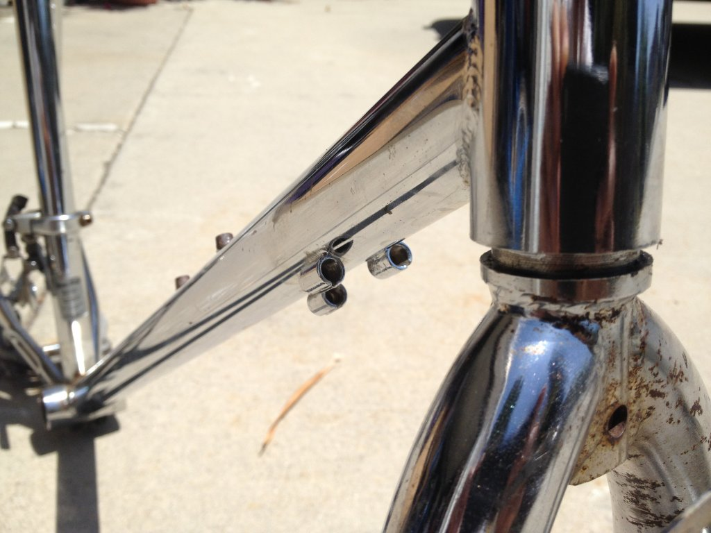 what is this??   chrome frame / forks-img_4117.jpg