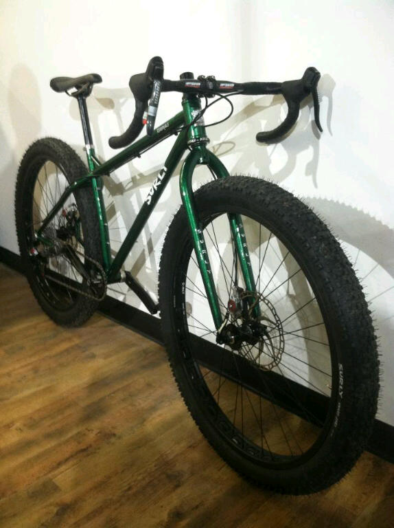 "Anyone get their hands on a Surly Knard 29x3""?-img_4205.jpg"