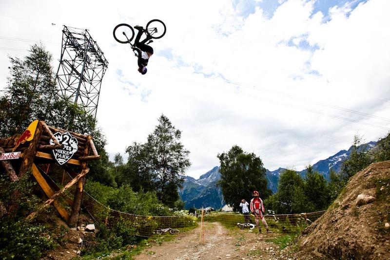 Brandon semenuk wins crankworx les 2 alpes slopestyle presented by ixs
