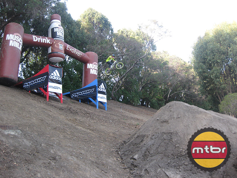Dirt Jumps, Pump Track, Freestyle - HUGE drop in