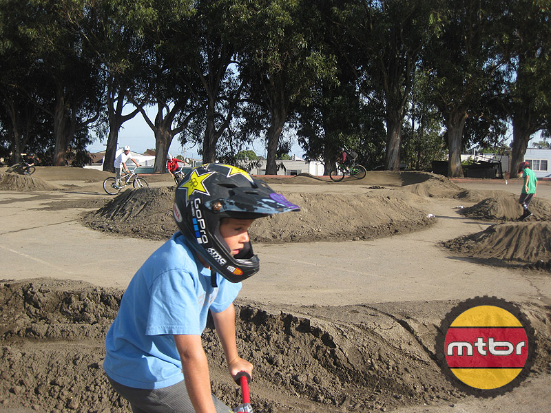 Dirt Jumps, Pump Track, Freestyle - Kids
