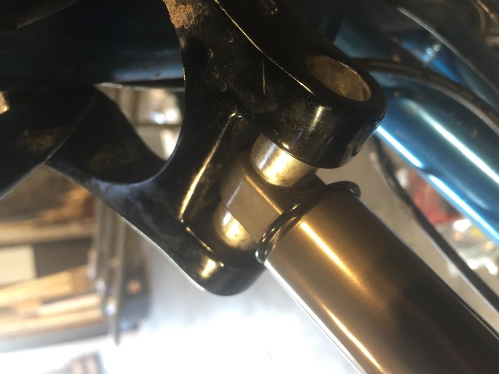 Titus X - Rear Shock Removal!-img_4656-2.jpg