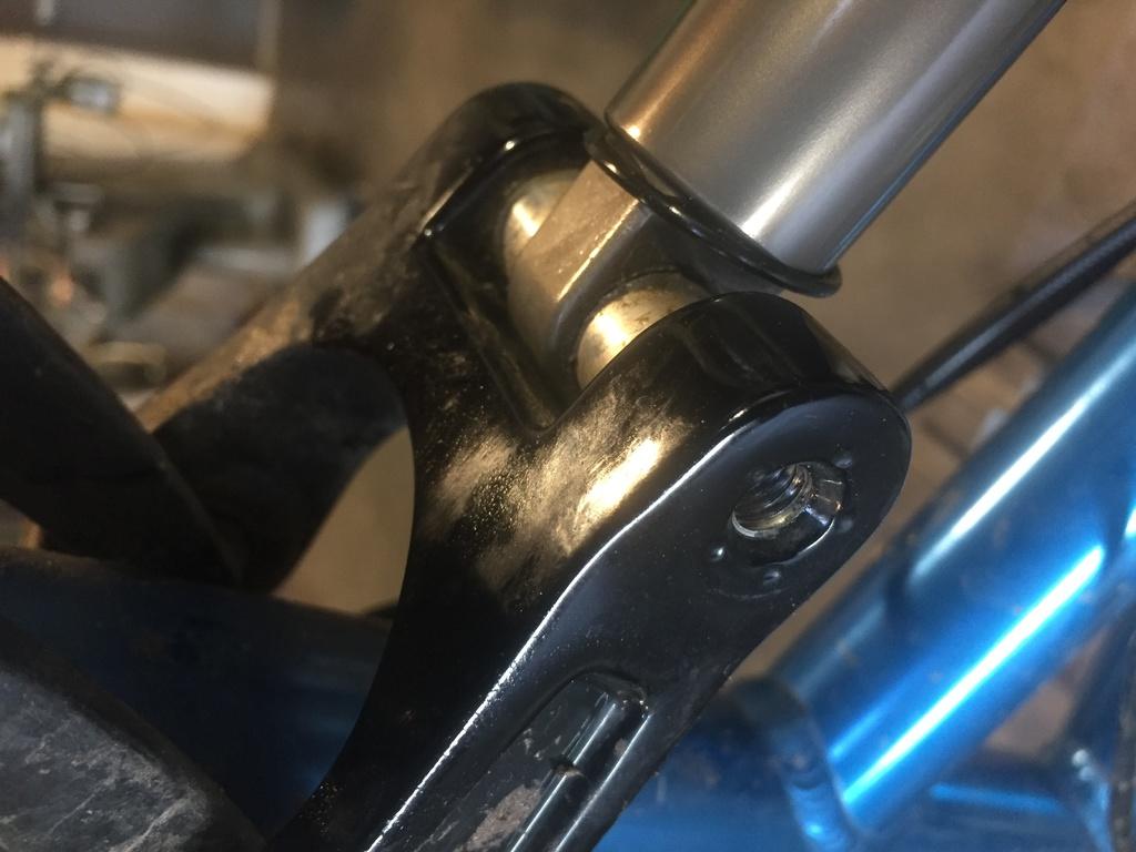 Titus X - Rear Shock Removal!-img_4657-2.jpg