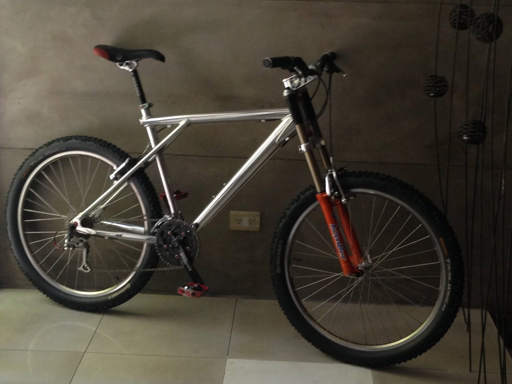Are you still running a 26 frame with rim brakes ?-img_4659.jpg