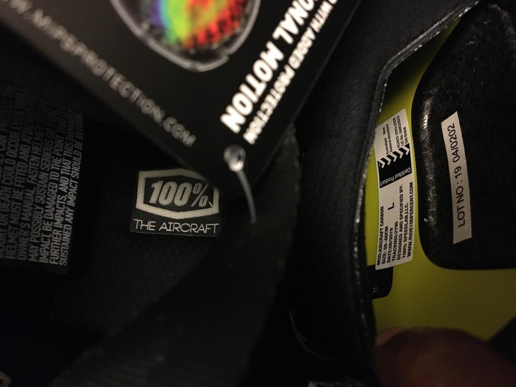 100% Aircraft Carbon DH LARGE helmet- 0.00-img_5052.jpg