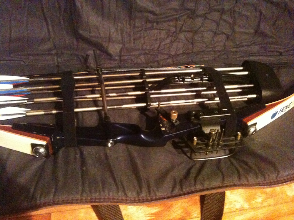 1985 Hoyt/Easton Rambo compound bow-img_5145.jpg