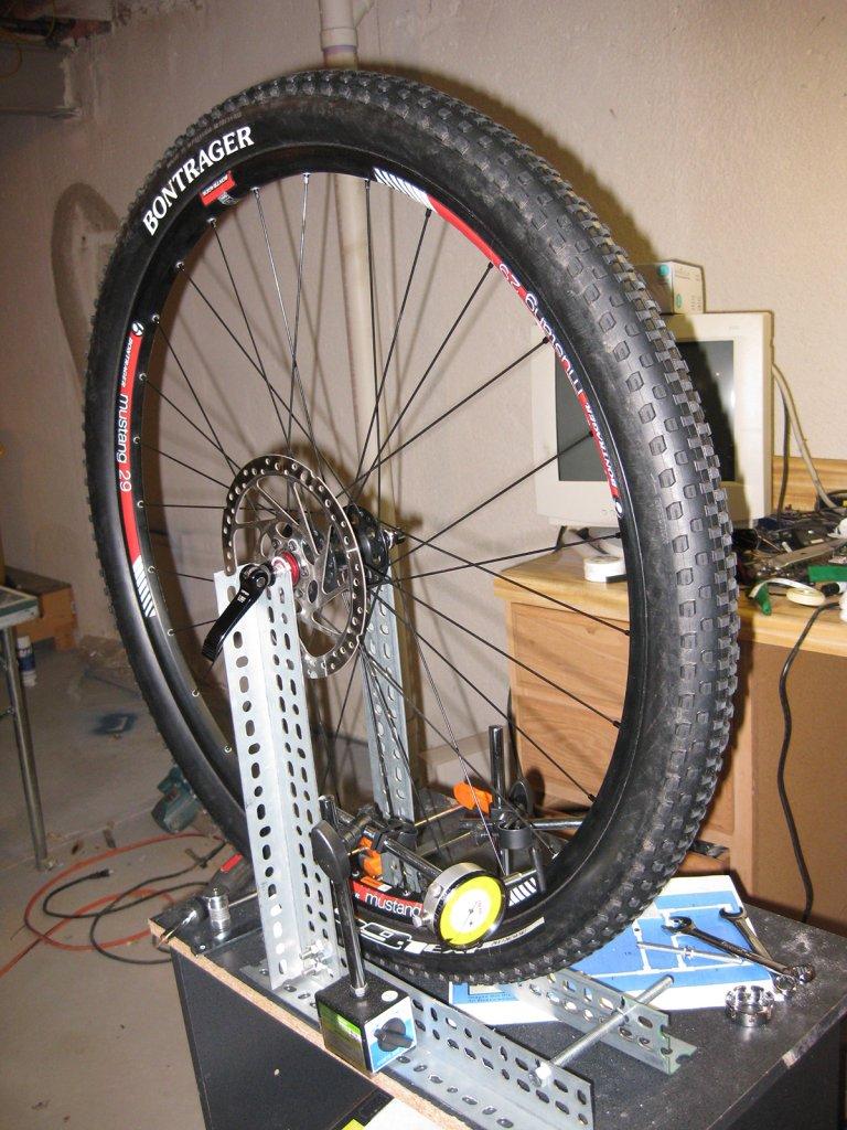 My DIY wheel building/truing stand-img_5170.jpg