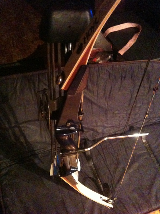 1985 Hoyt/Easton Rambo compound bow-img_5172.jpg