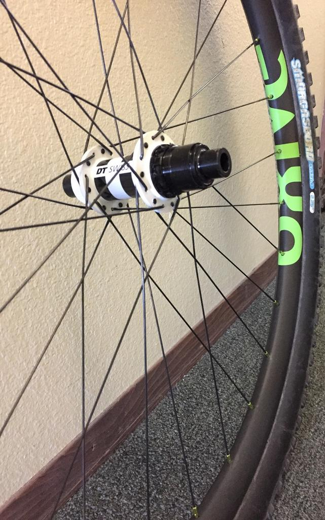 Oxive Carbon Rims and Wheels-img_5187s.jpg