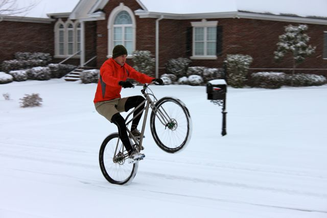 Snowy Day Bike Work vs TV-img_5230-2.jpg