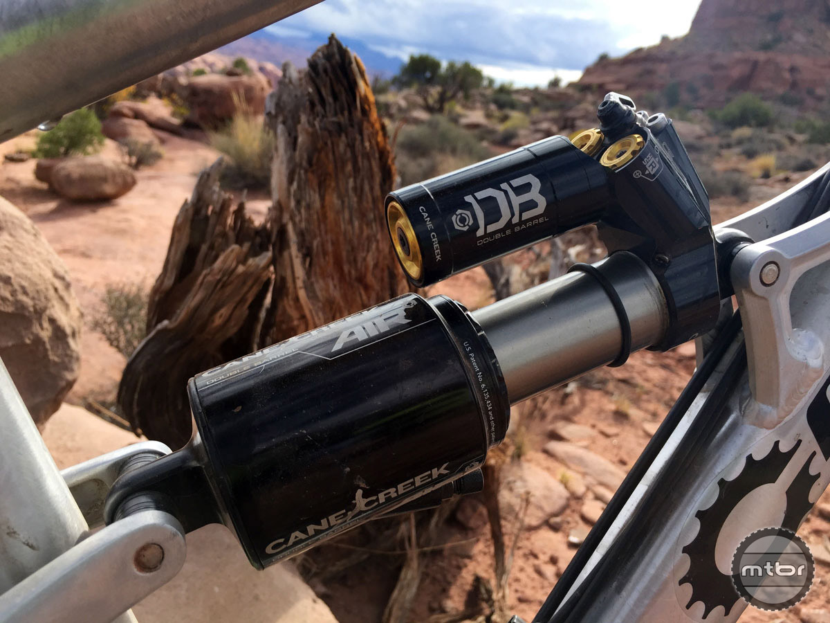 The bike pairs 29er wheels with 140mm of travel and a Cane Creek Double Barrel Air shock keeping things under control.