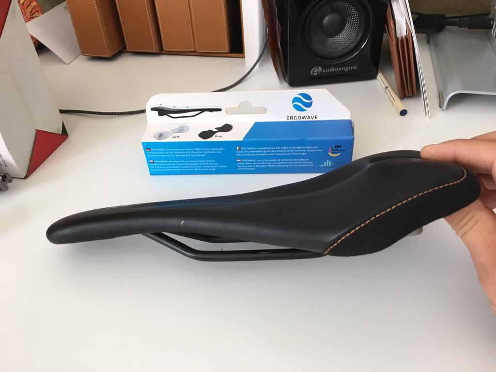 SQ Labs 611 Ergowave Active Saddle 15cm-img_6413.jpg