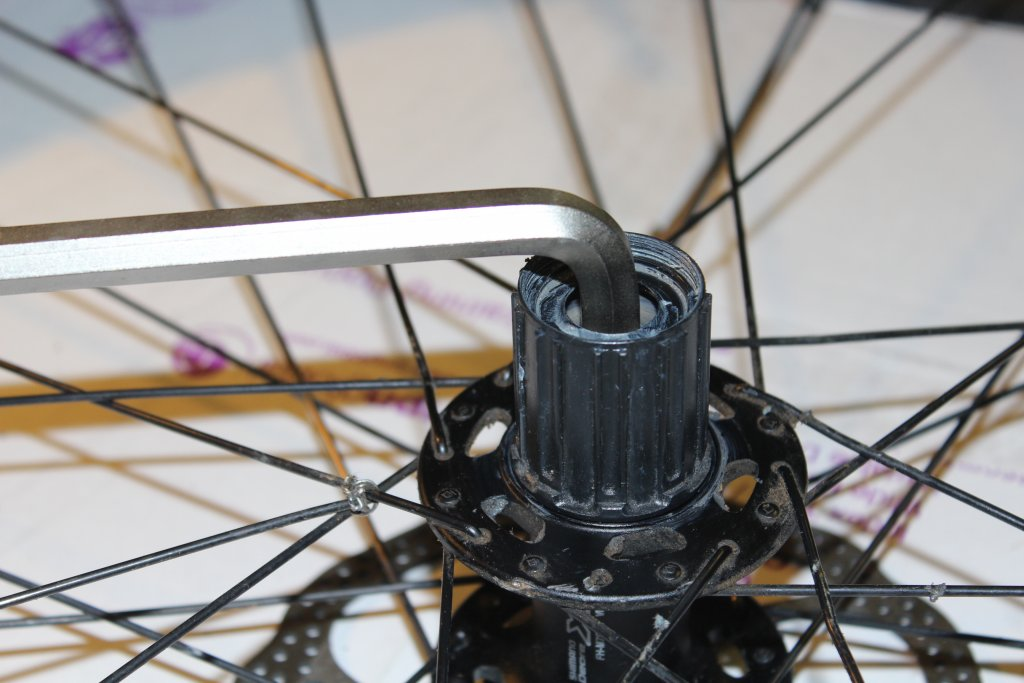 Shimano XT FH-M788 12x142 rear hub - broken freehub body-img_6762.jpg
