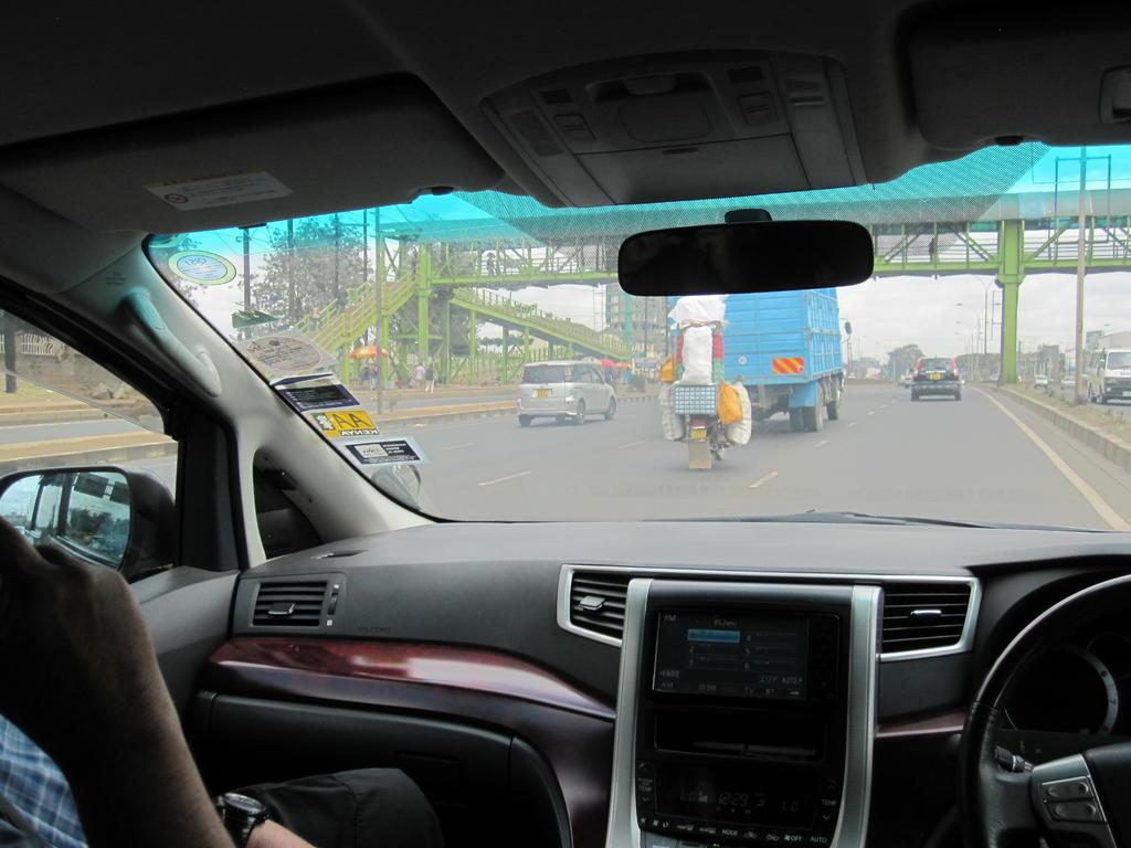 Driving on the shoulder-img_7118.jpg