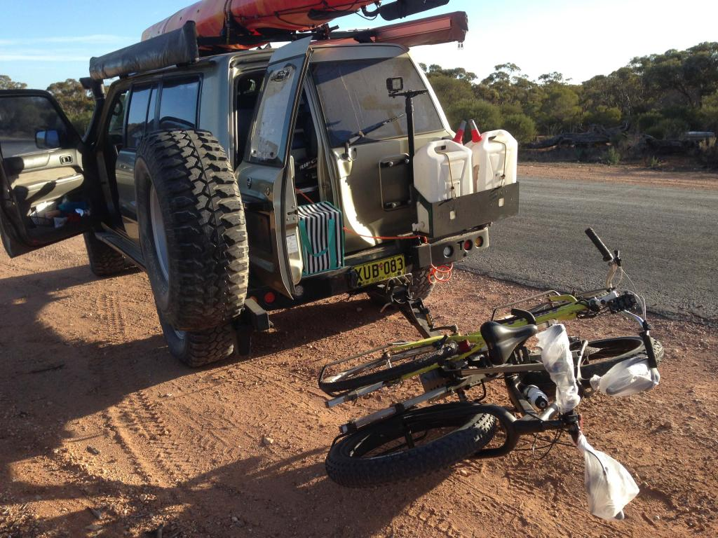 Hitch mounted bike rack for fat bikes-img_7291.jpg