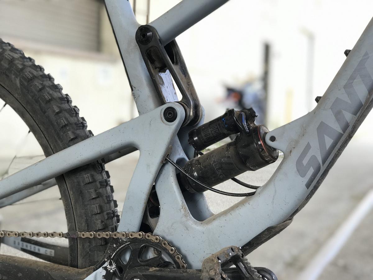 Rockshox rear suspension takes charge