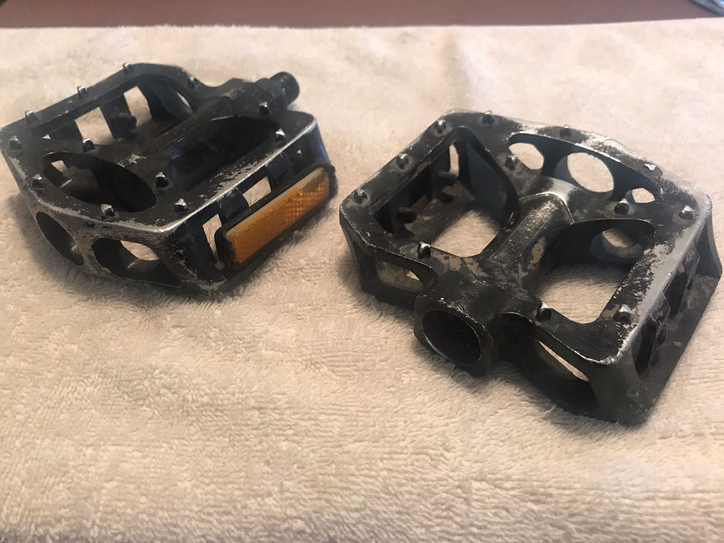 I love flat pedals, but....-img_9369.jpg