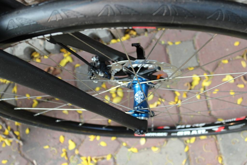 Chinese 2015 cyclocross bike frame 142mm thru axle-img_9505.jpg