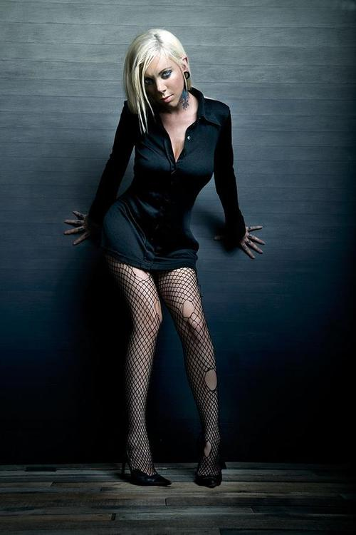 Gorgeous non-popular singers!-moment-maria-brink.jpg