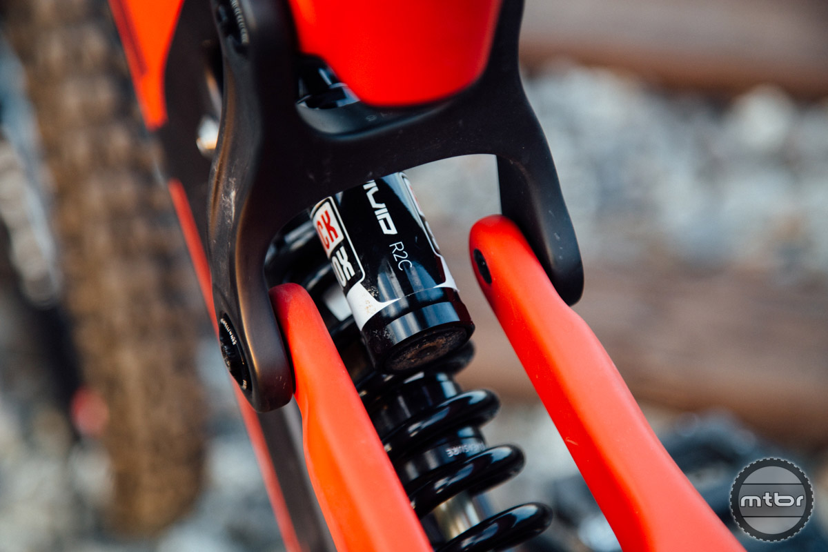 Both the Pro and Factory version of the M16 come equipped with RockShox suspension, but the Palmer edition is available with FOX components.