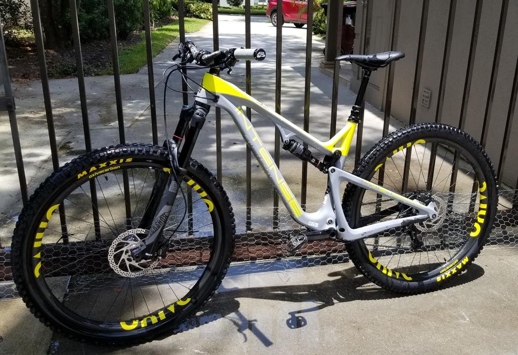 Oxive Carbon Rims and Wheels-intenseoxive1.jpg
