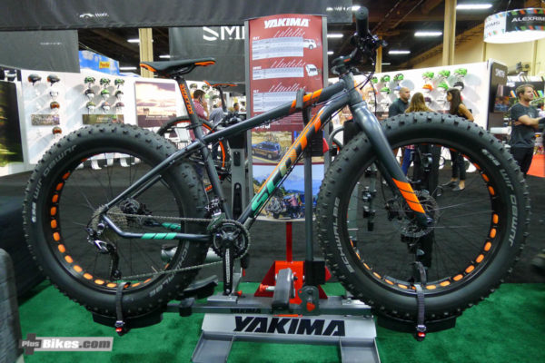 New Scott fat bike: Big Jon-interbike-2016-show-floor-2023-47-600x400.jpg