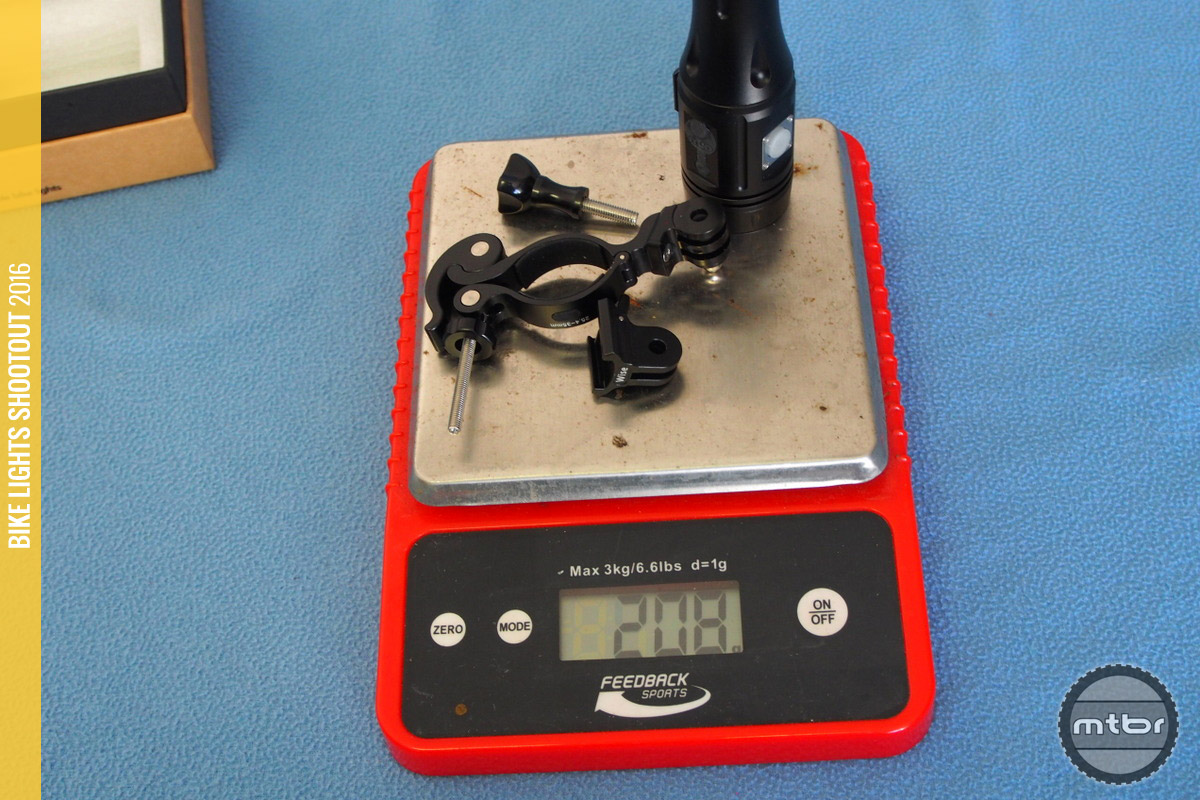 ITUO Wiz1 800 weight with mount is 208 grams.