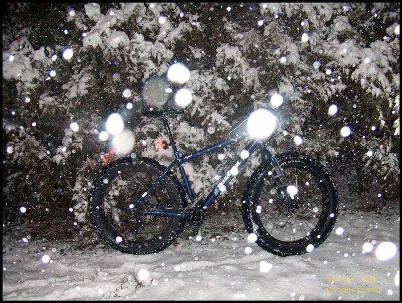 Actual snow coming tomorrow night-izzys-birthdayfirst-snow12-024.jpg
