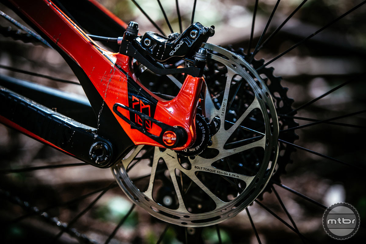 SRAM Guide brakes provide stopping power. Photo by Ale Di Lullo