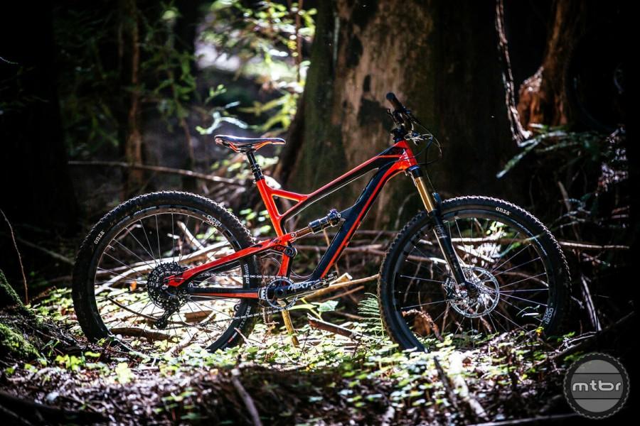 YT Jeffsy CF Comp 1 first ride review-jeffsy_cfpro-900x600.jpg