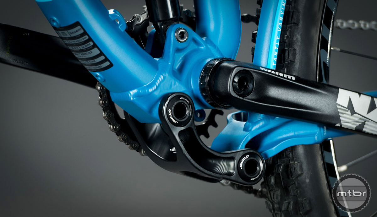 The Jet 9 alloy's 120mm of rear suspension is built around Niner's patented Constantly Varying Arc (CVA) suspension, which is optimized around 29er wheels. It's designed to offer efficient pedaling because the lower swingarm linkage is located underneath the bottom bracket, so chain torque in any chainring effectively neutralizes the unwanted forces that degrade power transfer to the rear wheel.