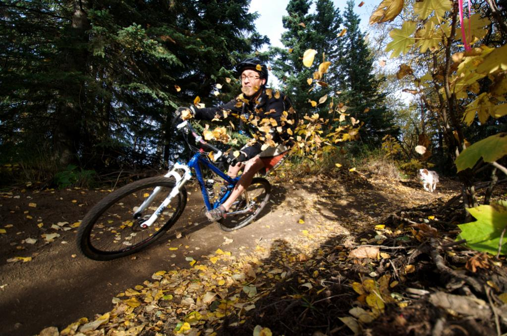 2011 Fall Colors (with Bike)-joe-leaves.jpg