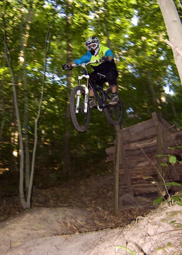 Mojo HD action thread!!-john-bikeing.jpg