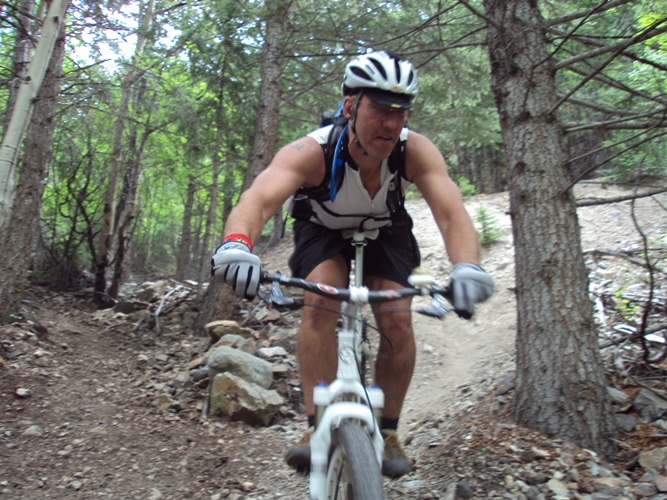 Like i said im not ready to ride dirt......just yet!-jones-pass-ride-071.jpg