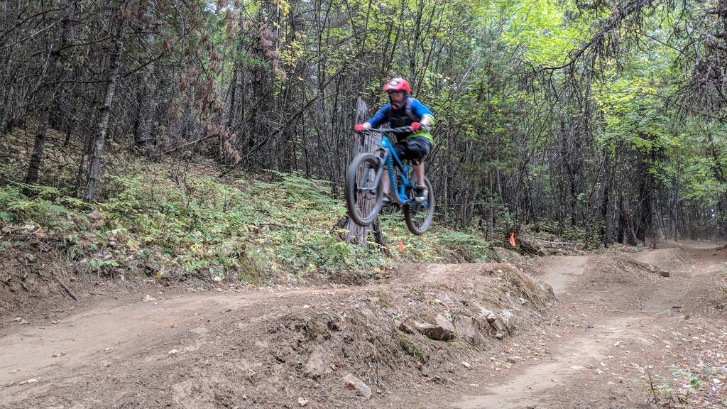 Transition Bikes in midair!-jumping.jpg