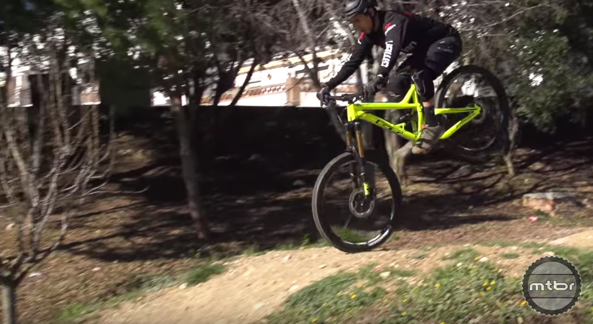 Five Most Common Mtb Jumping Mistakes Mtbr Com