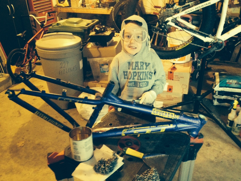 2014/15/16 Winter Projects-justyn-stripping-his-bike-frame.jpg