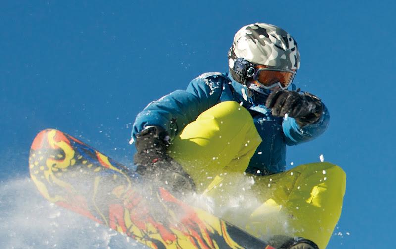 jvc_gc_xa1_skier
