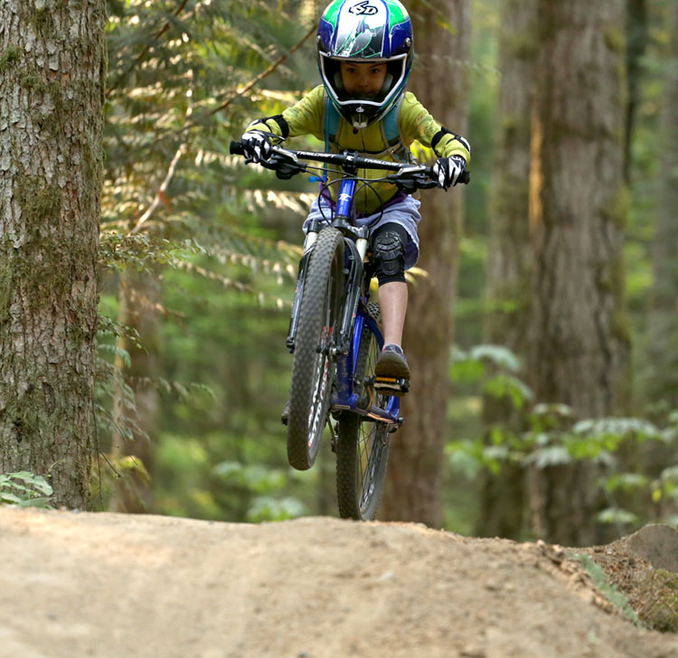 Trailcraft Pineridge 24 youth mtb review.-kaiajumpfront_aim.jpg