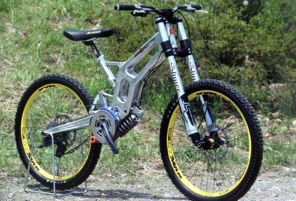 Old School DH bikes-kamikaze-dh-iso-small.jpg