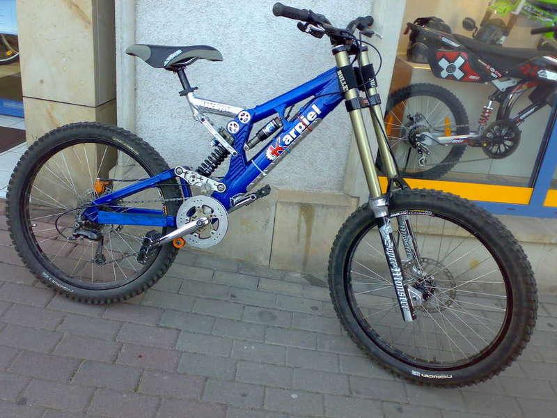Old School DH bikes-karpiel_apocolypse_superm.jpg